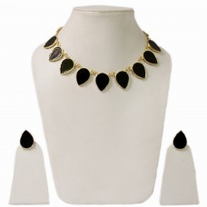 Black tear drop enamelled necklace set