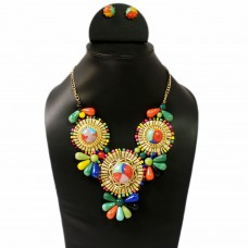 Elegant Multicolor  Bold Necklace Set