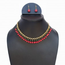 Classic red and green beads necklace